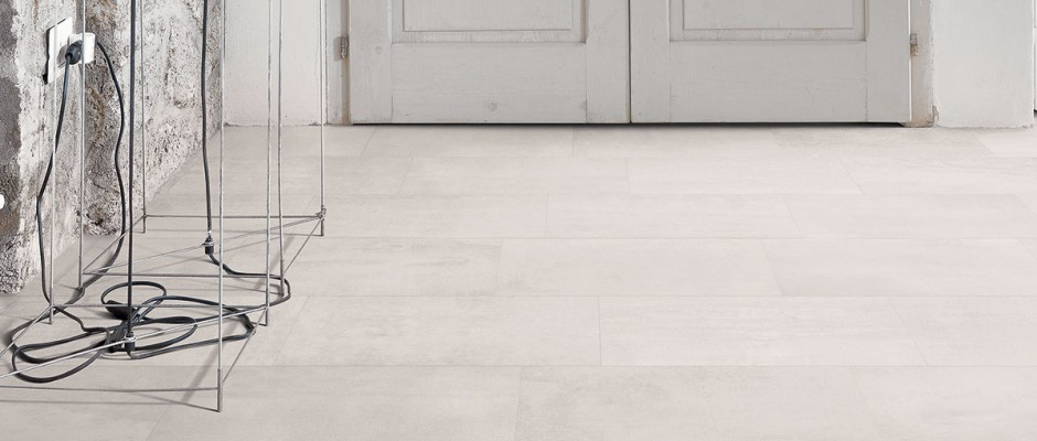 Signorino: Gesso-Natural-White-30x60-Amb.-Living